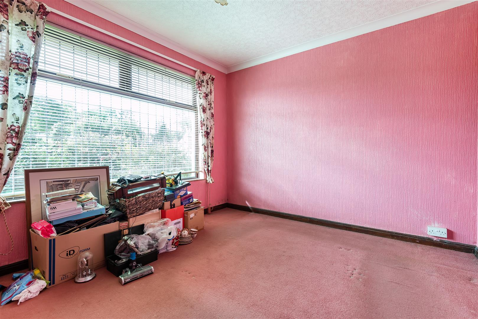 Knoyle Drive, Treboeth, Swansea, SA5 9AZ